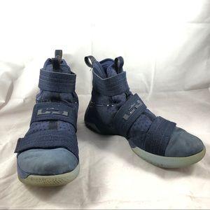 Nike LeBron Soldier Navy Sz 11 Men's Sneaker clean